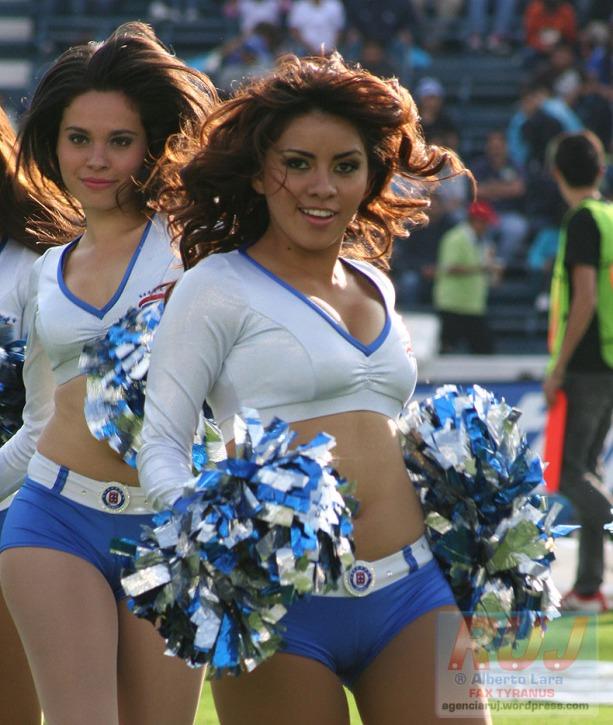 Las Celestes Porristas Cruz Azul 2012 – Jornada 13 (1)